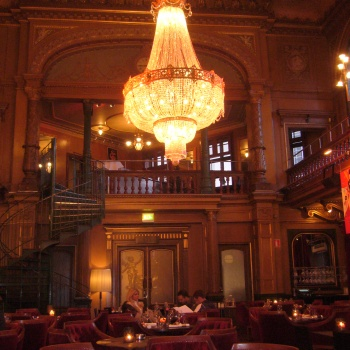 Photo stoRy  for today™ –  Glamour of the Mirror Hall at  Berns